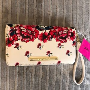 Betsey Johnson Floral Z/A Wallet/New